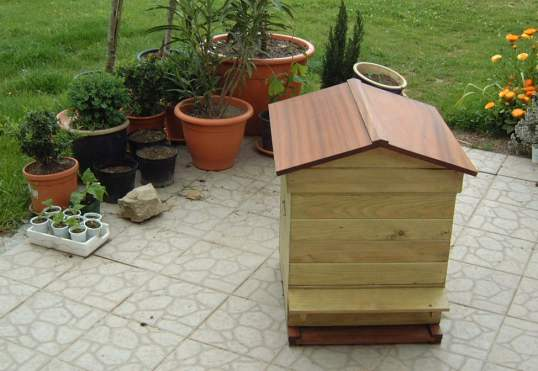 Voila, one house for bees!